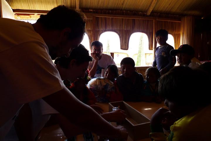 Trabajando con los Niños / Working with the children