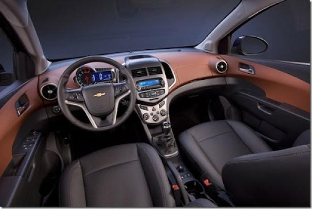 sonic-sedan009