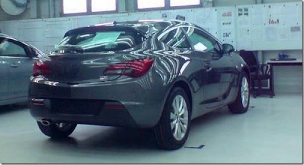 Opel-Astra-GTC-0