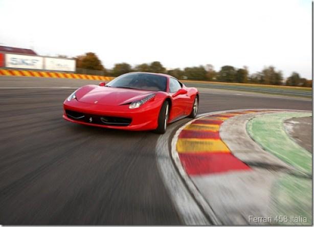 Ferrari-458_Italia_2011_1600x1200_wallpaper_24