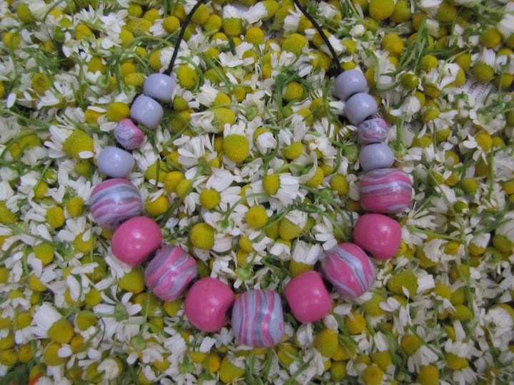 Margelute handmade din fimo roz gri