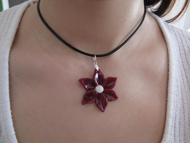 Floricele steluta handmade Fimo, culoare grena