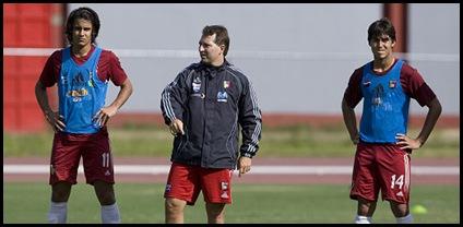 Daniel De Oliveira durante el entrenamiento de la Selecci??n Nacional Sub17, en el Estadio Nacional Br??gido Iriarte (Nelson Pulido)