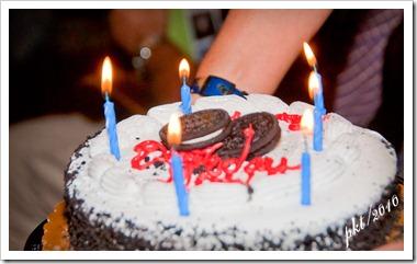 DSC_0026Milt's-oreo-birthday-cake