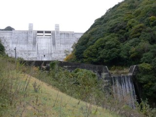 石井ダムと砂防ダムのツーショット