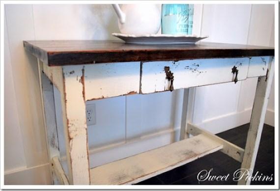 white desk 015