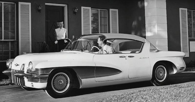 http://lh6.ggpht.com/_hVOW2U7K4-M/TTPjdg9cTvI/AAAAAAABaR0/Ni4rEOyFh_A/s800/1955 Cadillac La Salle II Hardtop Sedan.jpg