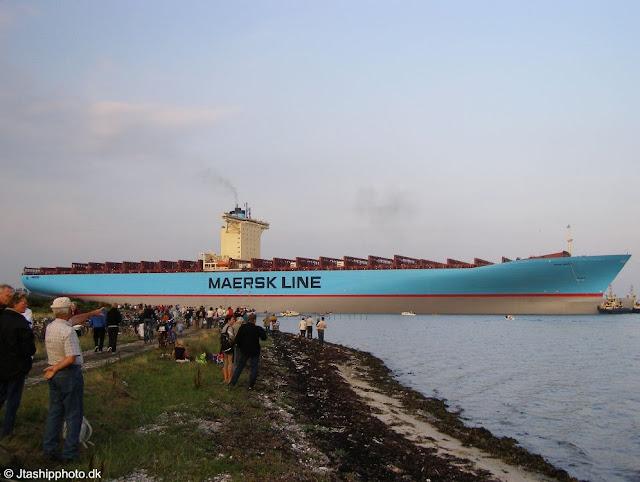 https://i0.wp.com/lh6.ggpht.com/_iRCt-m6tg6Y/SYx14SfgqVI/AAAAAAAADuU/lA24OedVkQg/s640/kapal-terbesar-08.jpg