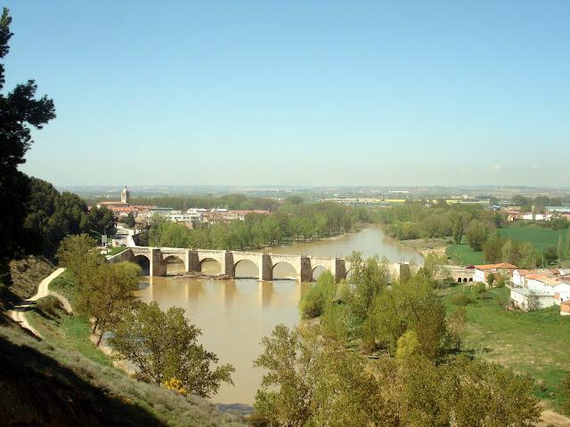 Puente sobre el Pisuerga de Cabezón