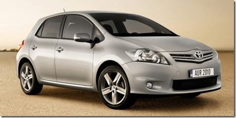 0toyota-auris-restyling_1