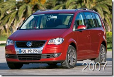 Volkswagen-Touran_2007_800x600_wallpaper_07