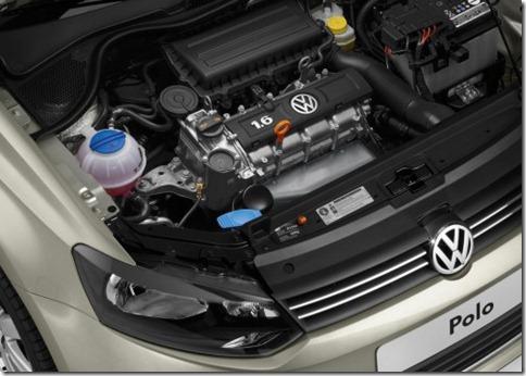 Volkswagen-Polo_Saloon_sedan_2011 (7)