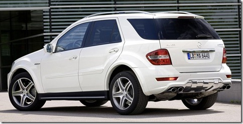Mercedes-Benz-ML_63_AMG_2011_800x600_wallpaper_03
