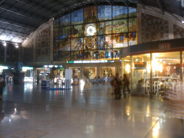 Estación de trenes de Bilbao - ABANDO