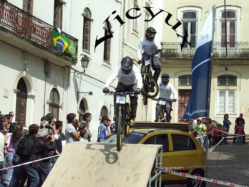 //lh6.ggpht.com/mathieu4489/SCxmFQz0tHI/AAAAAAAAAkE/JgcEkStXIuc/Carlos.jpg?imgmax=512