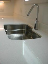 Thickness of quartz countertop?
