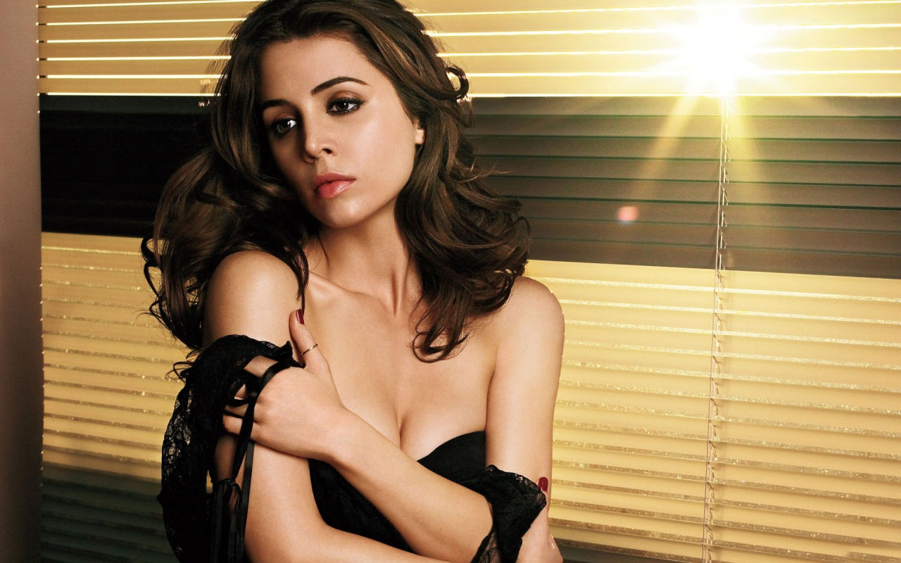 Lovely Wallpapers With Quotes In Hindi Wallpapers Free Wallpapers Eliza Dushku Wallpapers