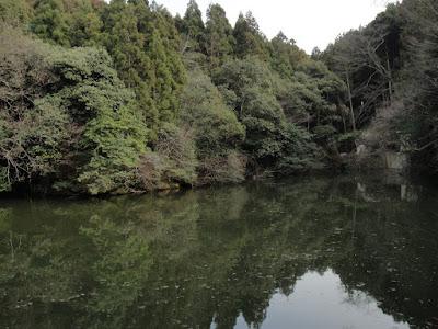 Random lake is... calming.