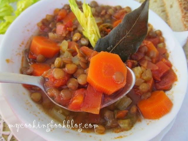Здравословна супа (без запръжка) с леща, селъри, моркови и бяло вино