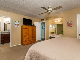 Homes for sale in Tempe AZ showcases this master bedroom