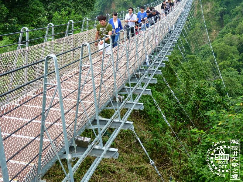 猴探井天梯相當安全,纜繩很粗的。