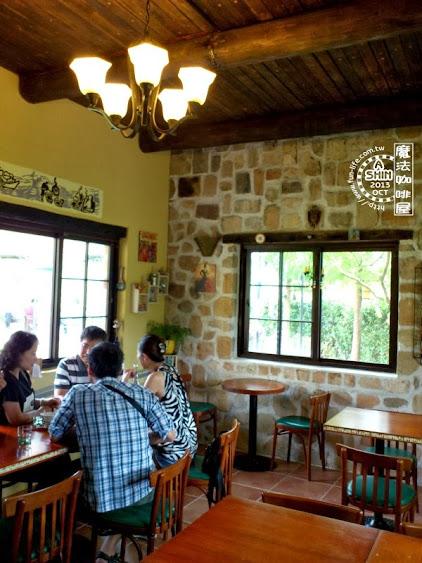魔法咖啡屋內很溫馨