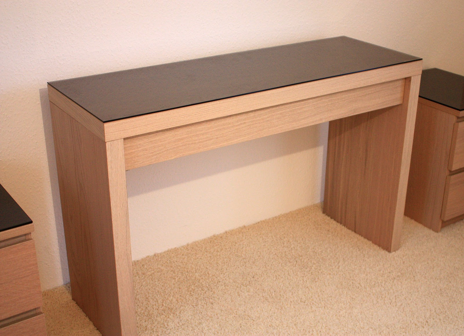 ikea schminktisch schreibtisch. Black Bedroom Furniture Sets. Home Design Ideas