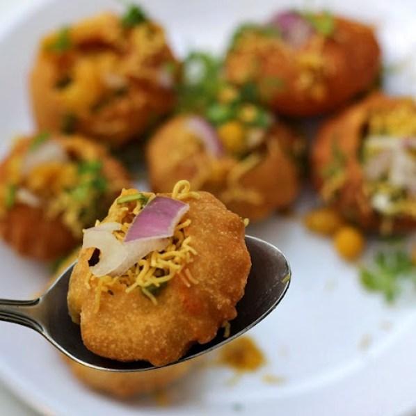 Ragda Puri Recipe | How to make Bombay Chaat Street Food Masala Poori | Mumbai Street Food Recipe From Foodomania.com by Kavitha Ramaswamy