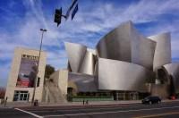 El 19 de febrero los músicos de la OSSBV visitaron por tercera vez la ciudad estadounidense de Los Ángeles, con la finalidad de realizar una residencia artística en la sede de la LAPHil
