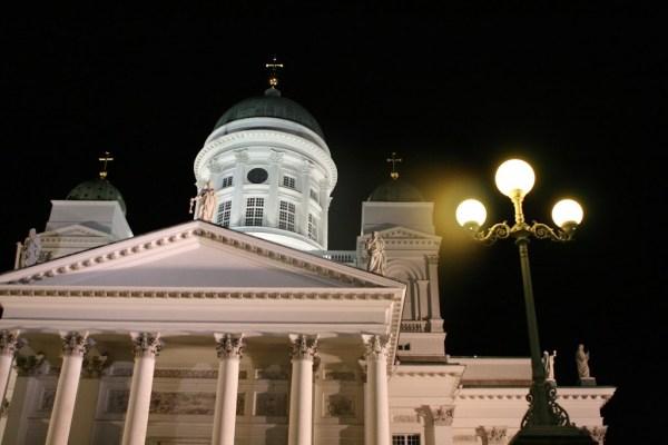 Der Dom ist das beliebteste Fotomotiv in Helsinki