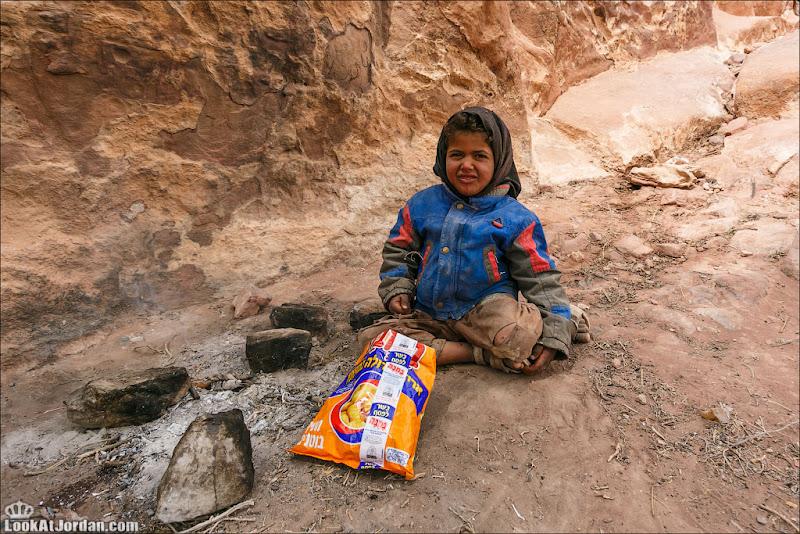 Такие разные иорданские дети и взрослые