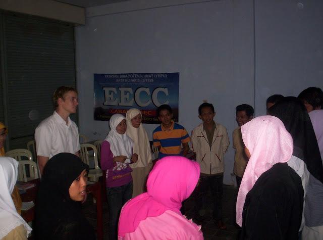Siswa EECC langsung berpraktek dengan native speaker