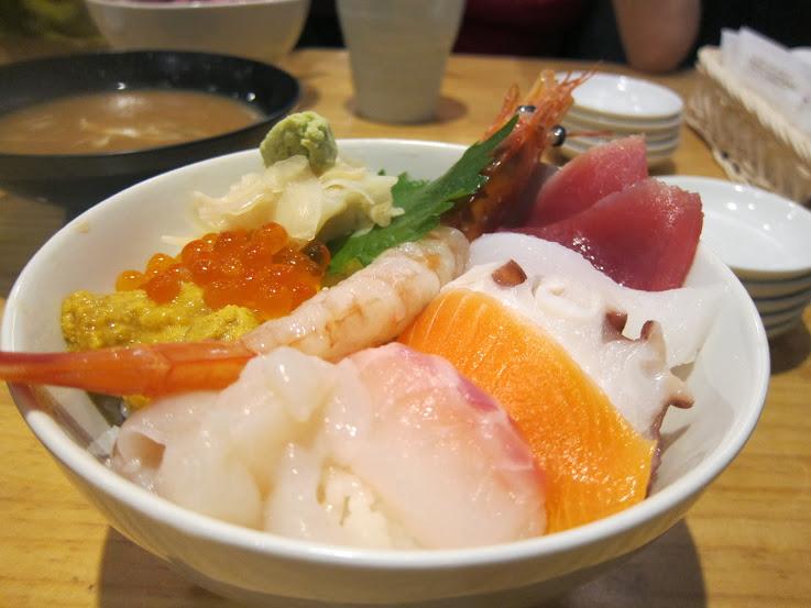 【13東京美食敗家】築地市場吃早餐。有趣的市井生活~ @ Winni的旅行小日子 Travel World :: 痞客邦