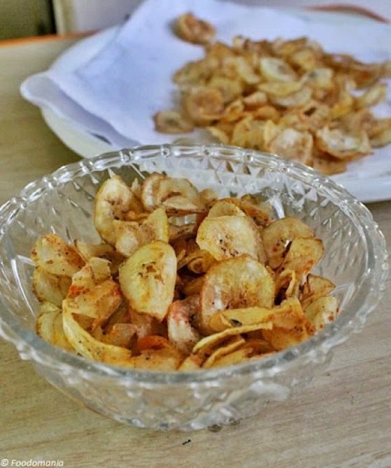 raw banana chips recipe (vazhakkai chips)