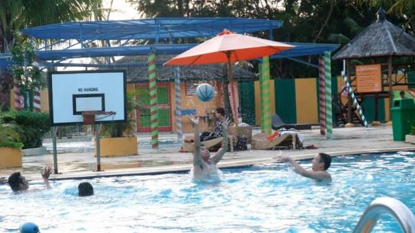 Harris Resort Swimming Pool