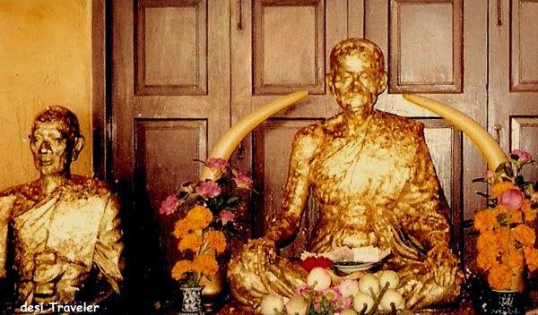 golden leaf buddha temple bangkok