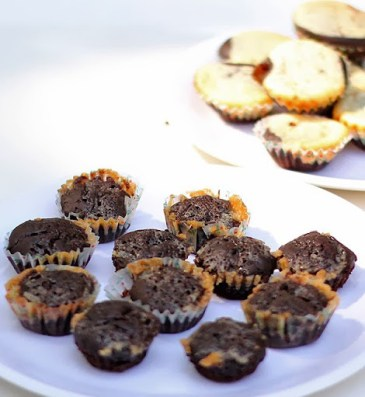 caramel swirl brownies