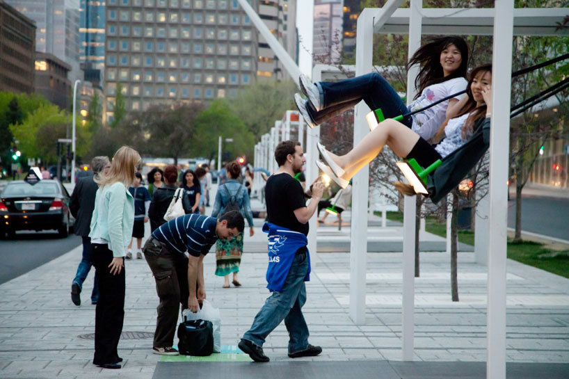 *21 Balançoires趣味街道裝置藝術:會發出音樂旋律的鞦韆! 5