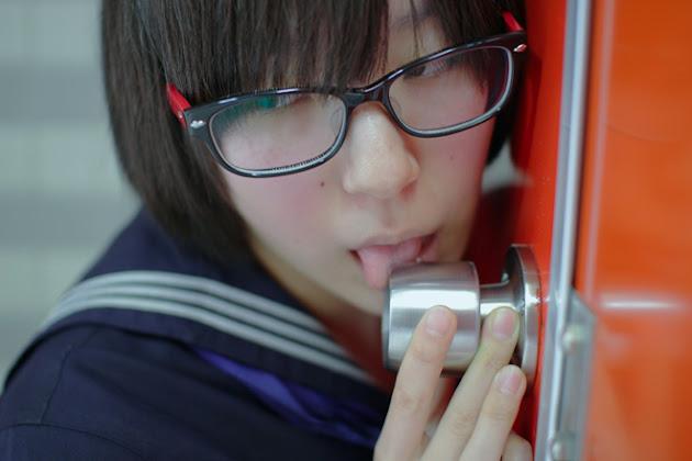 Doorknobs Licking Girls