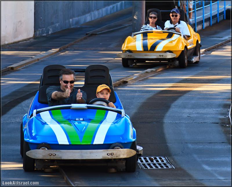 Америка 2.0 / Орландо, Magic Kingdom - Люди в автомобилях и все такие разные