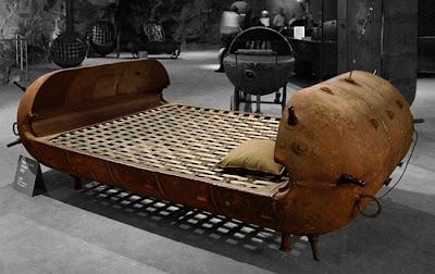 Reciclar minas para hacer muebles.