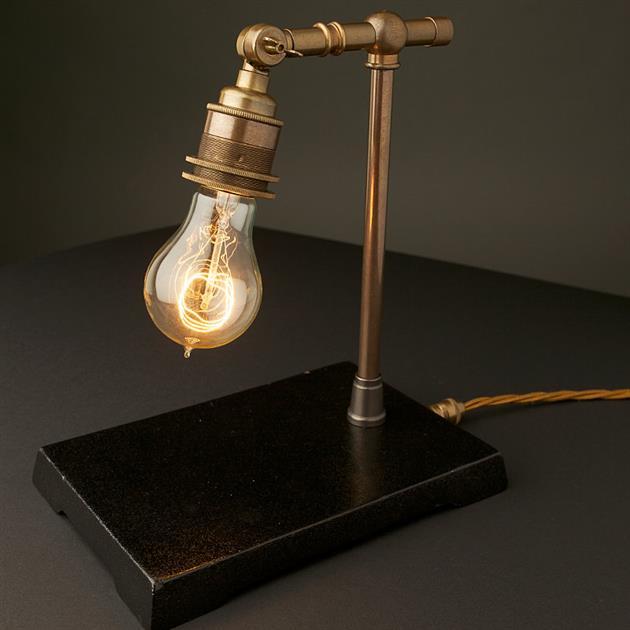 *復刻愛迪生銅鐵檯燈:Vintage Industrial 使用節能LED燈泡! 3