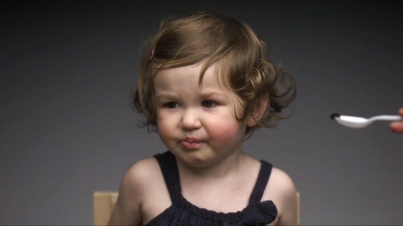*First Taste:觀看孩子第一次品嘗不同食物的頭號表情! 2