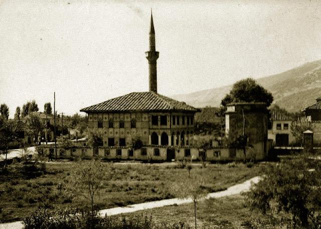 tetovo old 5 - Colorful mosque (Шарена џамија) - most recognized monument in Tetovo