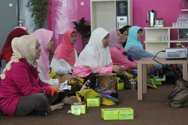 gathering blogger perempuan KEB