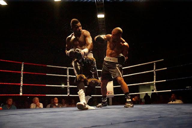 Yves Ngabu vs El Loco