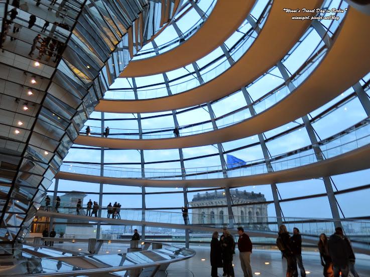 【2015德國-柏林Berlin】歷史與現代化融合的國會大廈(Reichstag Building)~途經布蘭登堡門 @ Winni的旅行小日子 Travel ...