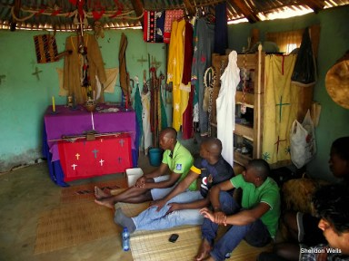 visiting the sangoma on the isithumba tour