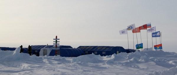 Nattsnakk fra Longyearbyen: Barneo - the gate to the North ...