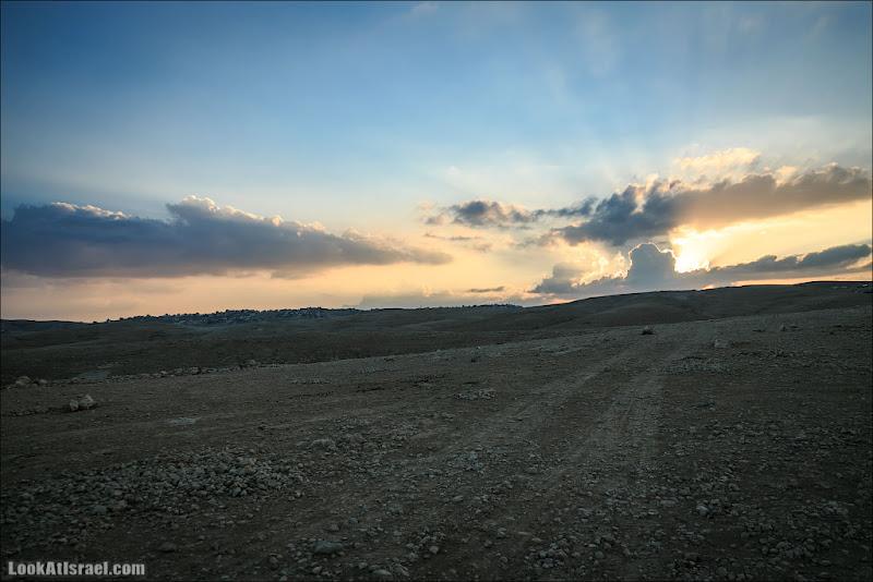 Одно фото / Закатилось за пустыню